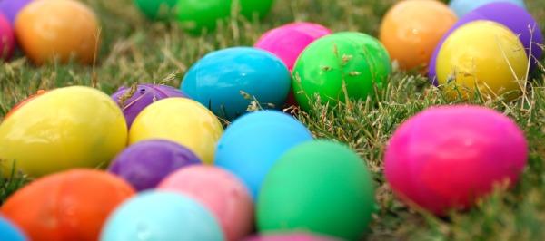 easter.eggs_.grass_ (1)